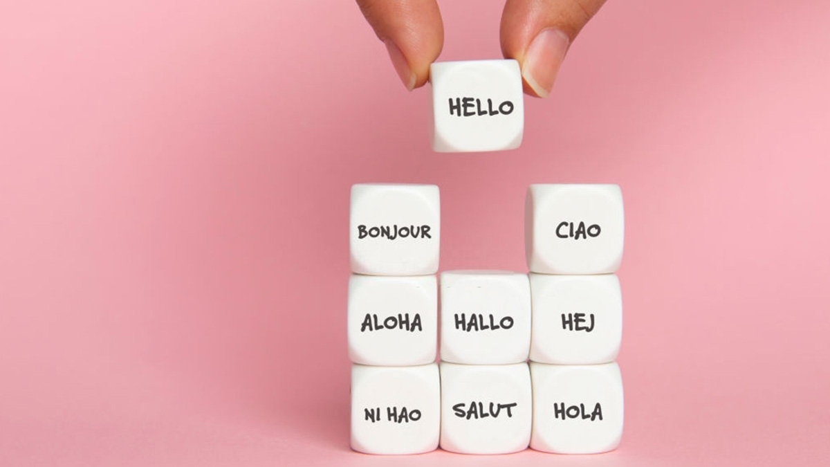 Datos con saludos en distintos idiomas