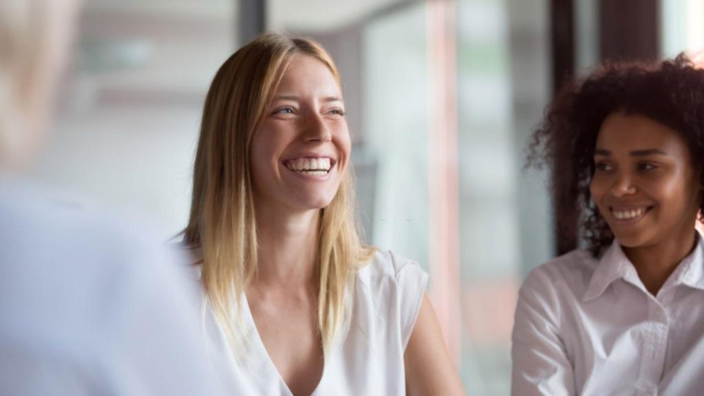 actitud alegre para buscar empleo